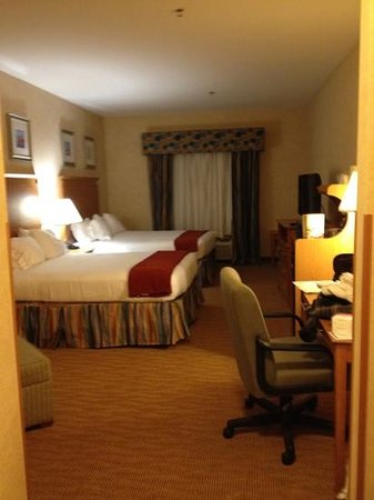 Holiday Inn Express Branford/New Haven: Spacious accommodation
