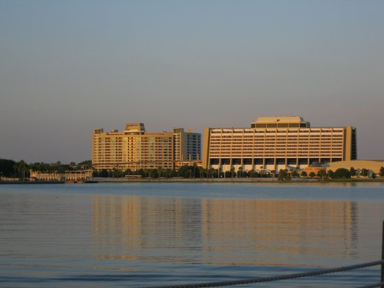 Disney&#39;s Contemporary Resort: ICON