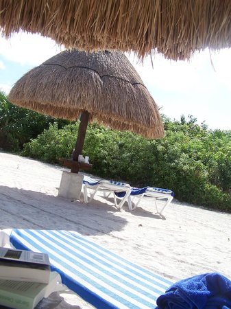 Grand Sirenis Riviera Maya Resort & Spa: chairs and shade