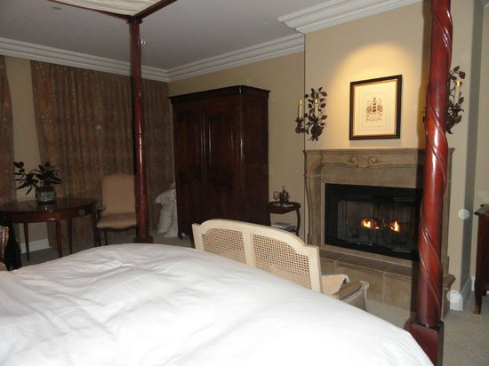 Hotel Les Mars, Relais & Chateaux: The gas fireplace was key!