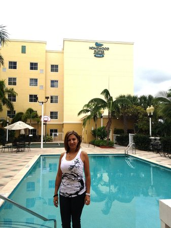 Homewood Suites Miami-Airport / Blue Lagoon: zona de la piscina
