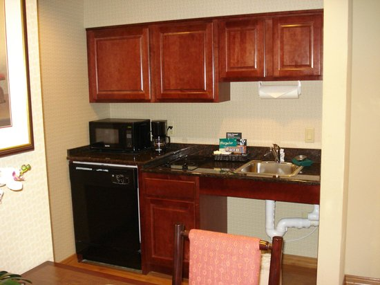 Homewood Suites Miami-Airport / Blue Lagoon: cocina