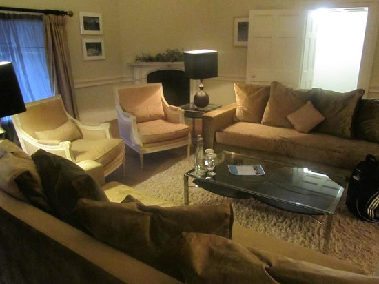 Carton House Hotel & Golf Club: Victoria Suite Lounge