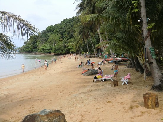 Koh Wai Pakarang Resort: der Strand am Resort