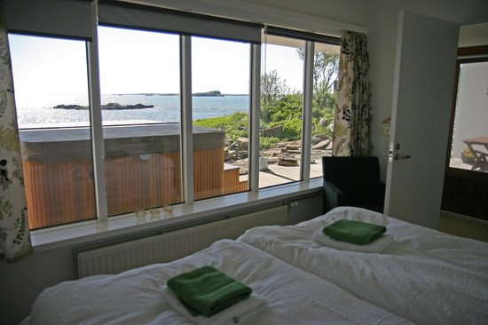 Borgarnes, Island: Double Room with a sea view