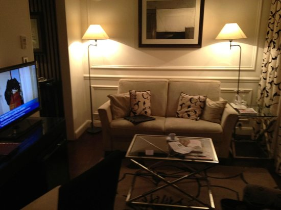 Hotel Keppler: Lounge area of suite