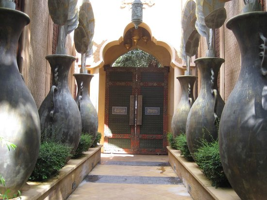 The Baray Villa: Entrance to the Villas