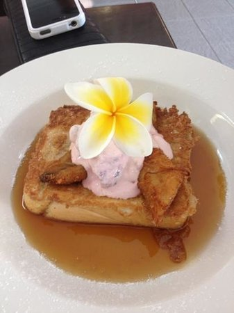 Nice Cafe: beautiful presented French toast