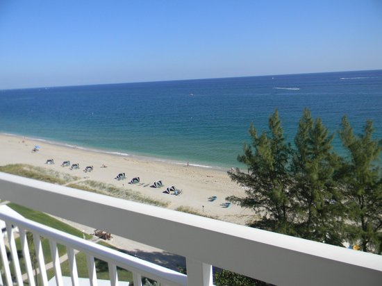 Wyndham Royal Vista: view of the beach