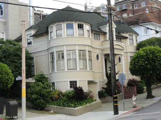 Victorian home walking tour the house of mrs doubtfire for San francisco mansion tour