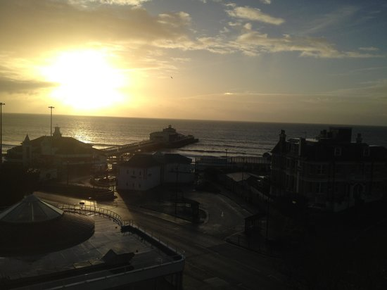 Park Central Hotel: Stunning sea view over the pier