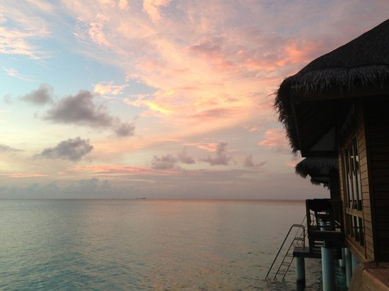 Maafushivaru: Sunset view from the water villa
