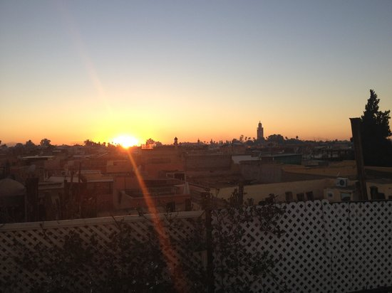 Riad 58 Blu: Prayers from the roof at sunset
