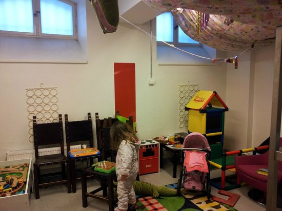 Best Western Premier Hotel Katajanokka: Children&#39;s Playroom in an old prison room