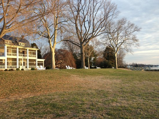 Sandaway Waterfront Lodging: View from property