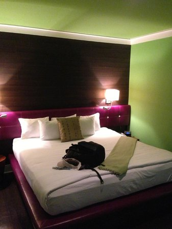 Chesterfield Hotel: Bed