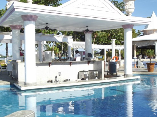 Swim Up Bar Picture Of Hotel Riu Palace Tropical Bay Negril ...