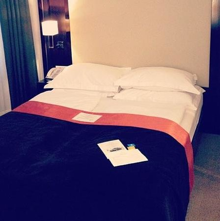 The Levante Parliament: Double bed room