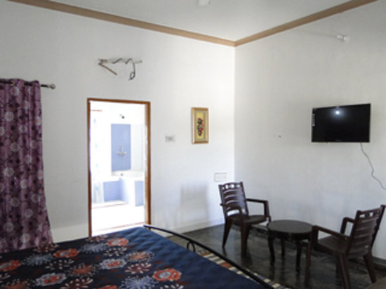 Ganesham Guest House: family room