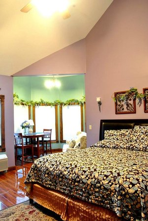 Spruce Hill Inn & Cottages: cozy!