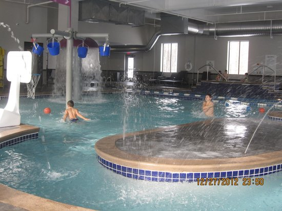 Holiday Inn Express &amp; Suites Columbus-Polaris Parkway: Great pool
