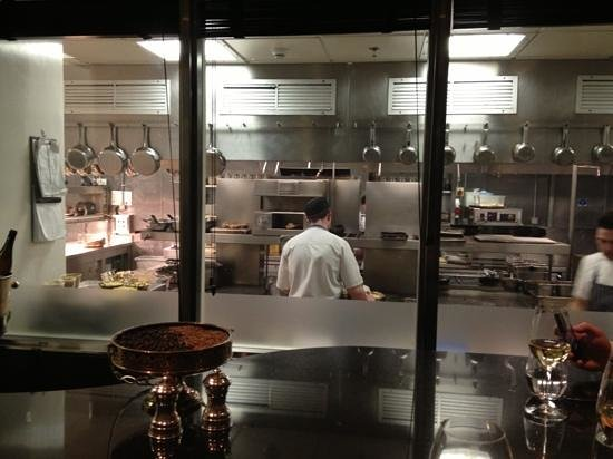 From inside the chefs table picture of the savoy grill for Html table inside th