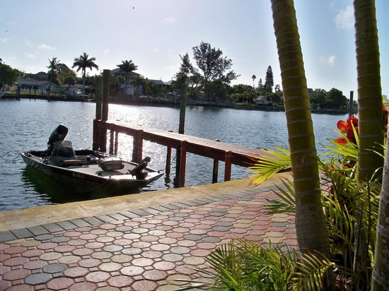 Bay Palms Waterfront Resort - Hotel and Marina: tied up for lunch at Bay Palms