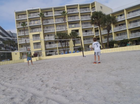 Alden Suites: they have volly ball, ping pong, bean bag toss and tennis