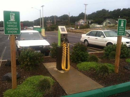 Driftwood Shores Inn: electric vehicle charging station