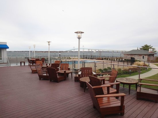 Hyatt Regency Newport : Outdoor area