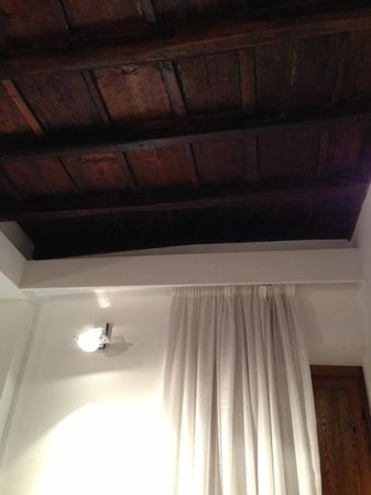 Gigli d&#39;Oro Suite: particolare del soffitto