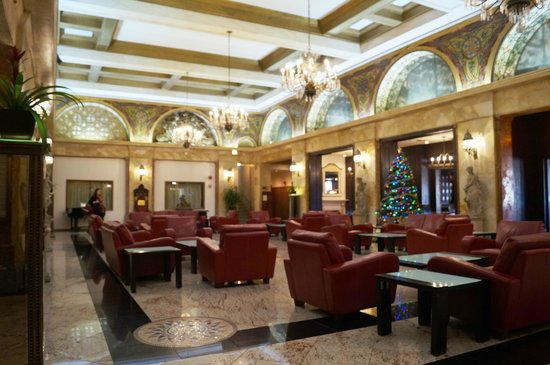 Congress Plaza Hotel: Lobby
