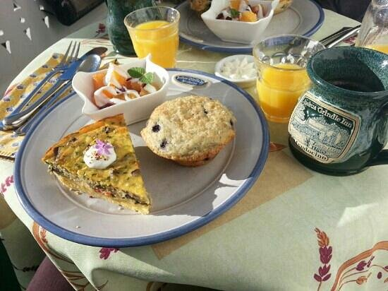 Joshua Grindle Inn of Mendocino: breakfast, new year&#39;s 2013