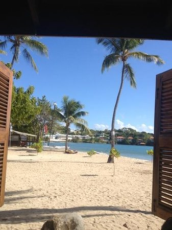 Calabash Hotel: view from the beach bar