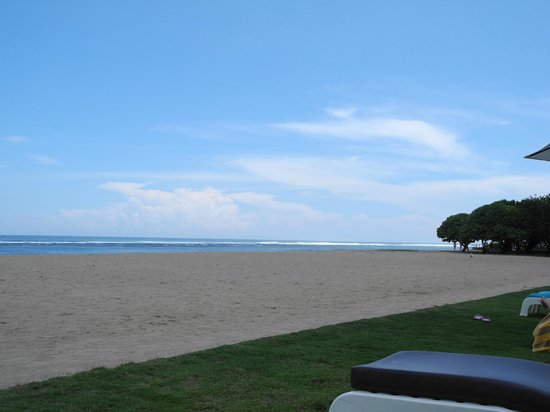 Ayodya Resort Bali: The Beach view