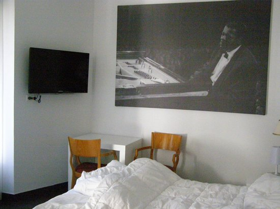 AMS Hotel Concert Inn: the room