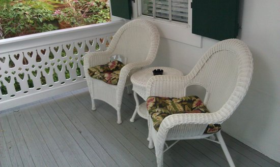 Speakeasy Inn and Rum Bar: Porch in front of our room