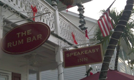 Speakeasy Inn and Rum Bar: Signage in front