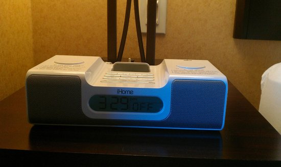 SpringHill Suites Napa Valley: iHome for your iphone/ipod