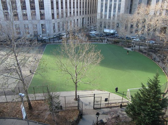 Hotel Mulberry: View of the park directly across the street