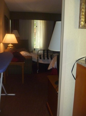 Crowne Plaza Fort Myers at Bell Tower Shops: room 204