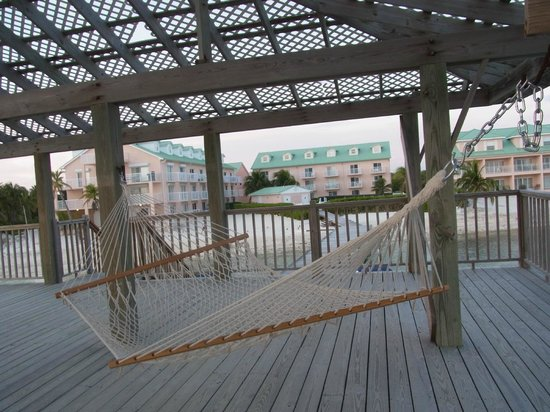 Carib Sands Beach Resort: Hammock on the dock - we also got a massage here. Peaceful.