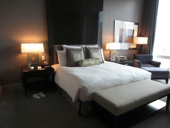 Trump International Hotel & Tower Chicago: Bed - Executive King