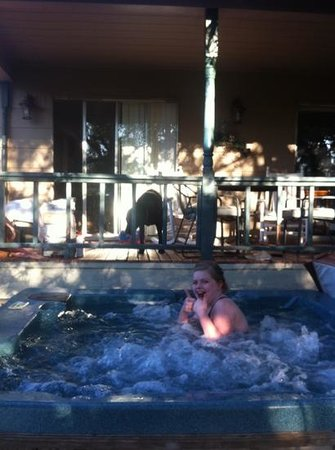 Canyon Lake Ranch: hot tub!