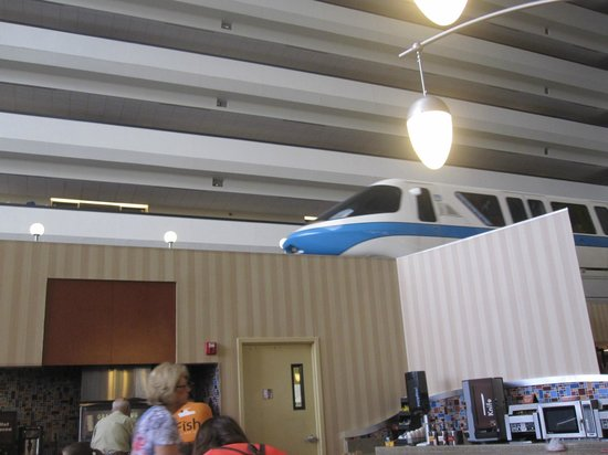 Disney&#39;s Contemporary Resort: The blue monorail