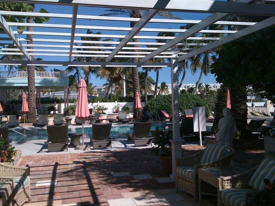 Southernmost House: View of the pool area from the Roosevelt room
