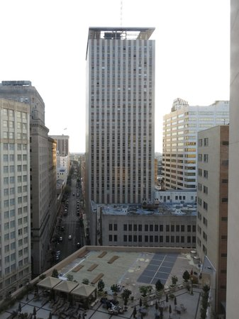 The Roosevelt New Orleans, A Waldorf Astoria Hotel: Facing east out of tower 1 from suite 11222