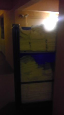 Westgate Town Center: The 'help yourself' towel cart left in the hall all week!