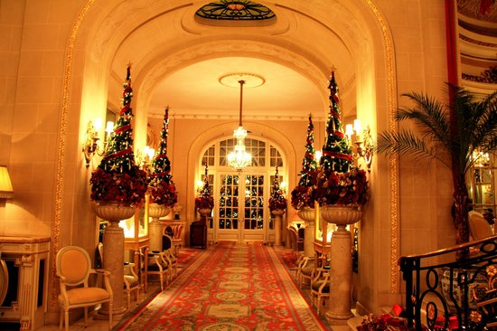 The Ritz London: Corridor