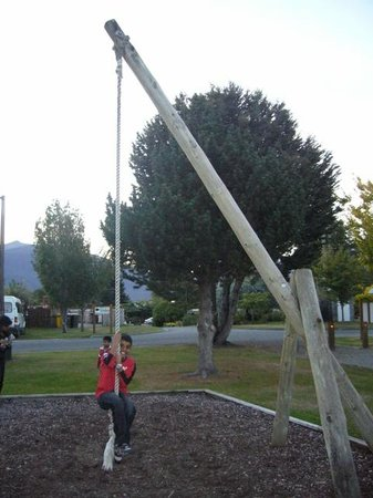 Te Anau Lakeview Holiday Park: Kids playground.